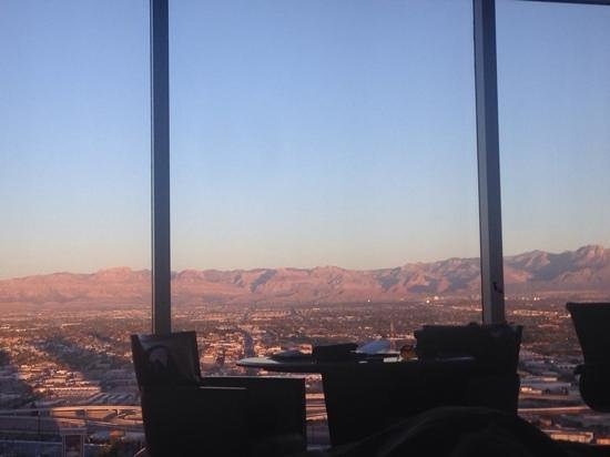 Wynn Las Vegas : view from our room in the morning