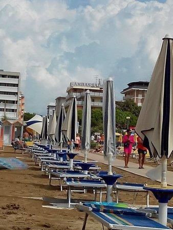 Hotel Ambassador: La spiaggia del hotel