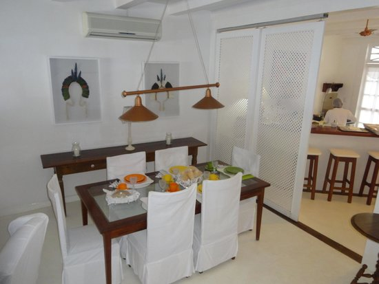 Pousada Casa de Paraty: Dinning room and kitchen