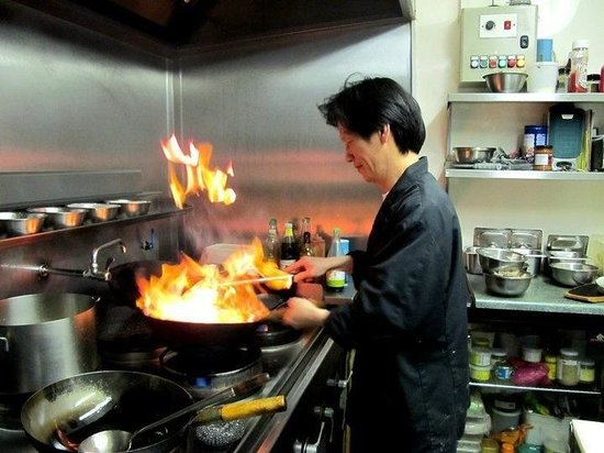 Blue Sapphire : Na-Garth our Chef,doing some Thaitastic cooking!