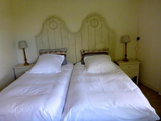 Maison Melrose : Main floor bedroom