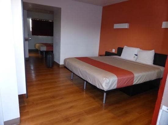 Motel 6: chambre double lit King Size