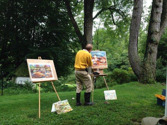 Frelinghuysen Morris House & Studio: Suzy's nephew giving a painting class