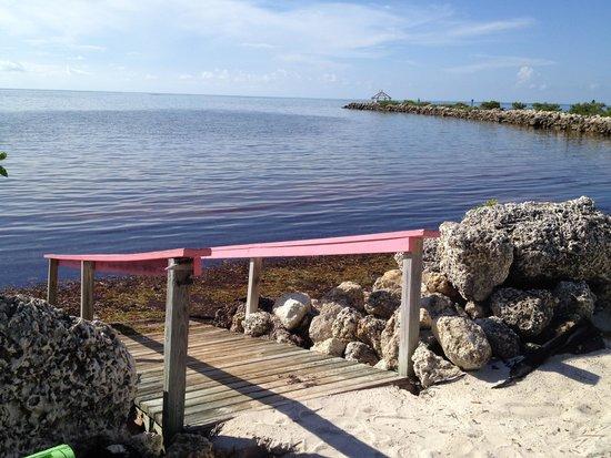 Kawama Yacht Club : Swimming access steps