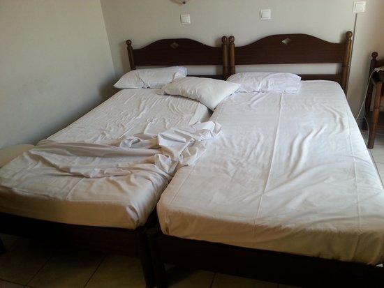Noufara City Hotel : Letto come lasciato cosi ritrovato