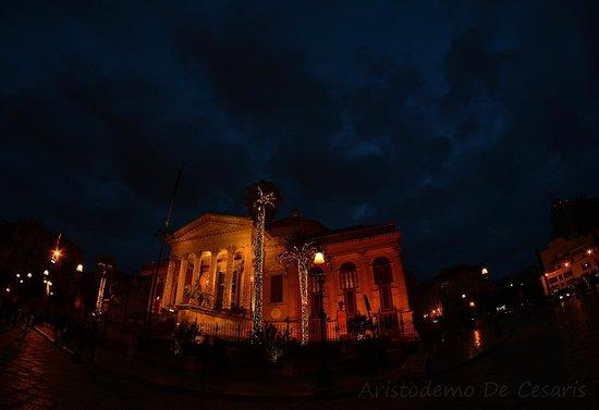 Teatro Massimo: Il Massimo a dicembre