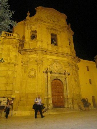 Trattoria Garibaldi: La Chiesa dell'Addolorata - Marsala