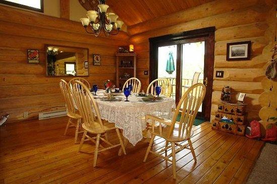 The Garrison Inn : the dining room