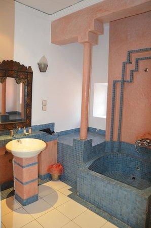 Dar Naima: salle de bain
