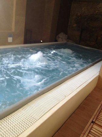 UNA Hotel One : Piscina