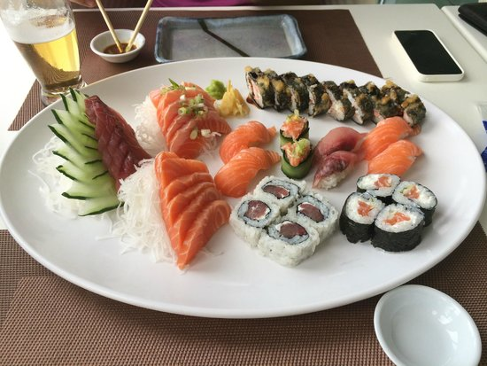 Shogun: Sushi plate - combo for 2 people