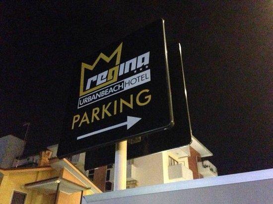 Hotel Regina: Parcheggio riservato ai clienti