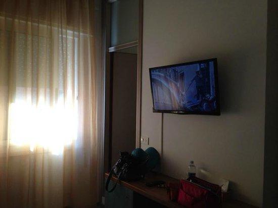 Hotel Regina: Camera e TV