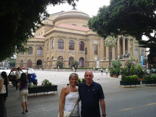 Hotel Mediterraneo : girato l'angolo