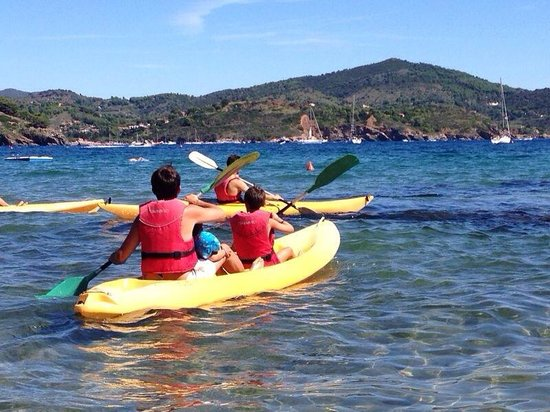 Le Acacie Hotel & Residence: Il giro in canoa coi bambini