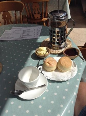 Trenwheal, UK : my cream tea only with coffee