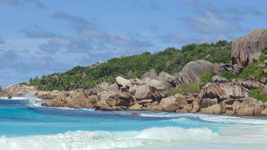 La Digue Island, Seychellerne: это пляж за валунами