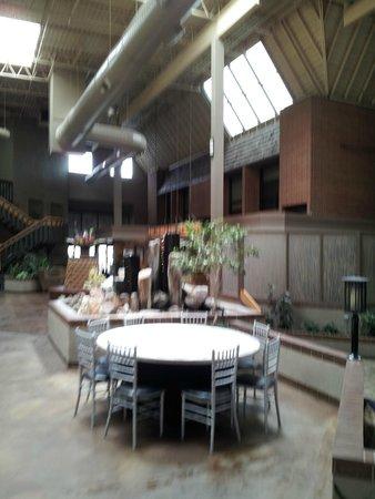 The Academy Hotel Colorado Springs: Lobby