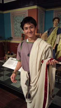 Fishbourne Roman Palace: An Emperor in the making...