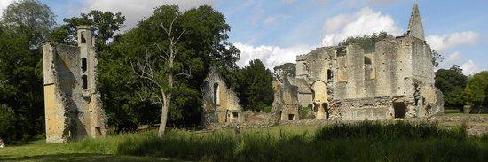 Minster Lovell Hall & Dovecote: Minster Lovell Priory ruins