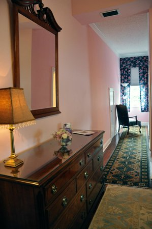 R&B Bed and Breakfast: Lulliby Room (Room 4)