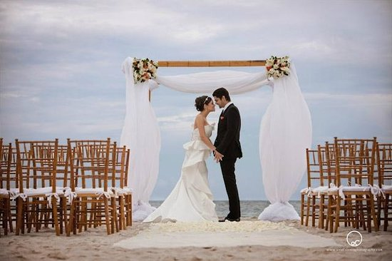 Beach Wedding Picture Of National Hotel Miami