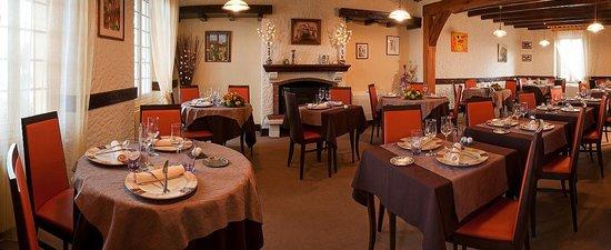 Le Dauphin Hotel: notre salle restaurant