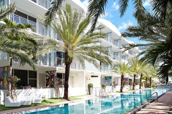 National Hotel Miami Cabana Room