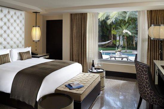 National Hotel Miami Beach : Poolside Cabana Room