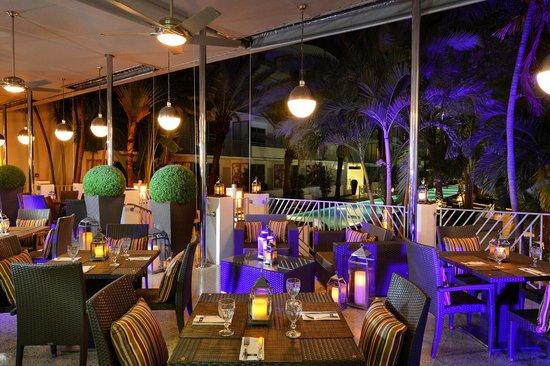 National Hotel Miami Beach: Tamara Terrace at Night