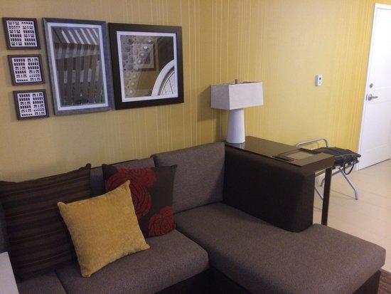 Residence Inn Ottawa Airport: Seating area