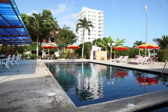 Hotel Puerto Ballesta: Piscina