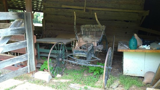 Callaway Plantation: Checking out the outbuildings