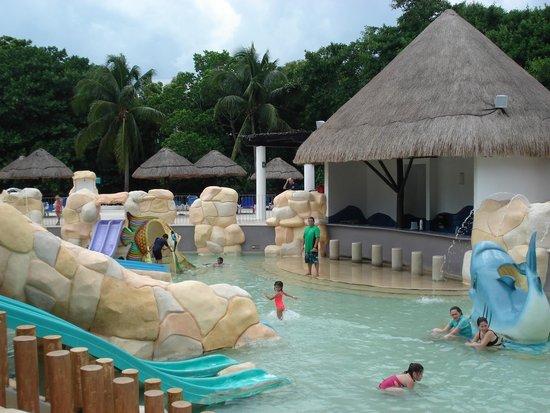 Sandos Caracol Eco Resort : Parque acuatico, excelente