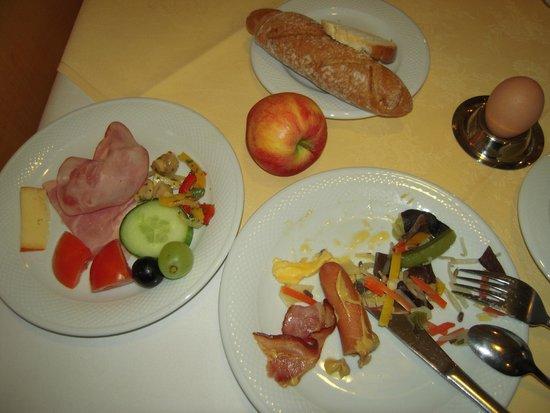 Arena City Hotel Salzburg: 朝食