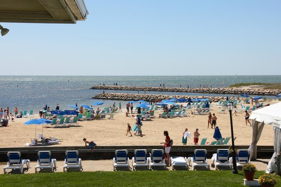 Red Jacket Beach Resort & Spa: View of the beach and Nantucket Sound