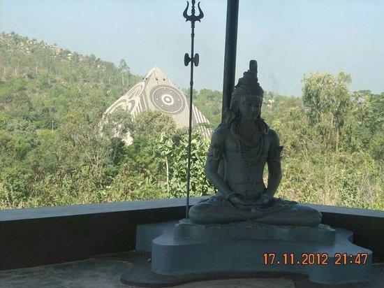 Pyramid Valley International: Ramesh Jain with Vijetha at Pyramid valley.