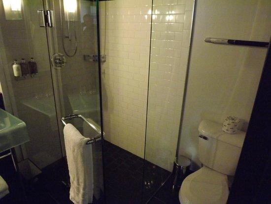 Hotel Le Germain Quebec: la doccia