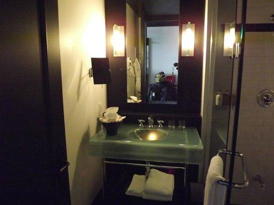 Hotel Le Germain Quebec: il lavabo