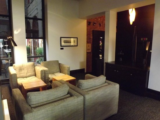 Hotel Le Germain Quebec: altri angoli della lounge