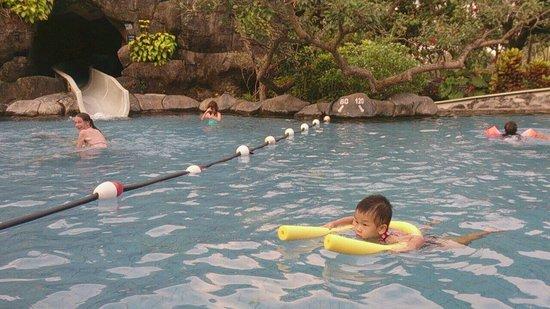 Hyatt Regency Yogyakarta: Sam at nice pool