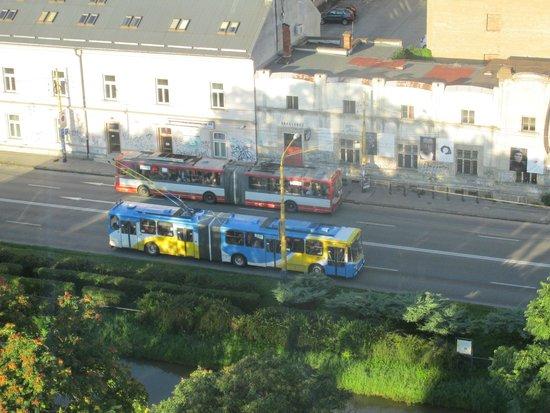 Hotel Yasmin Kosice: Trolley buses
