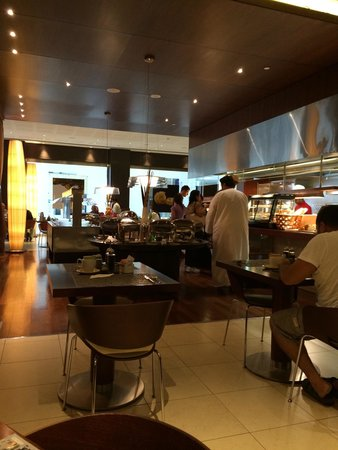Ibis World Trade Centre Dubai: Sublime, the daily breakfast spot