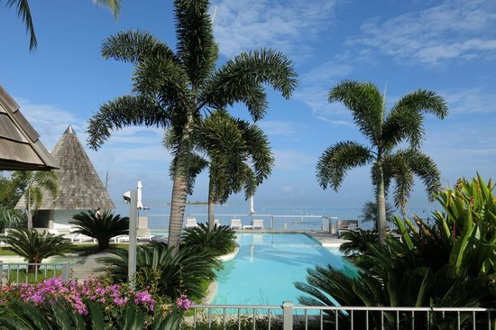 Chateau Royal Beach Resort and Spa : Pool views