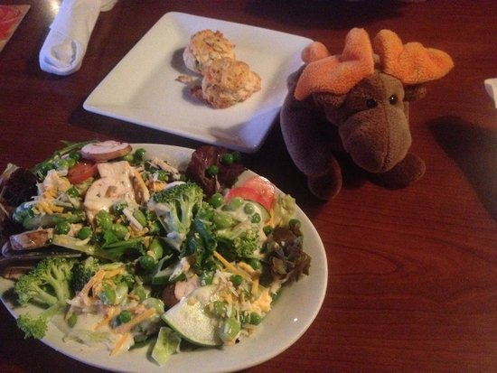 Ruby Tuesday: Salad bar and cheesy biscuits