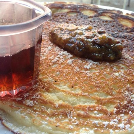 Buttermilk pancakes and local fig jam, a special