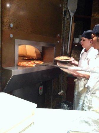 Aroma Mediterranean Resto Bar : Pizza oven