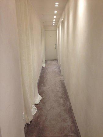 Hotel Navona: Hallway