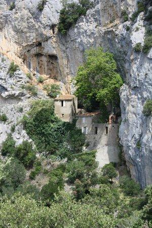Gorges de Galamus : Une construction stupéfiante