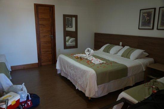 Hotel Vale das Nuvens: Vista interior do Apartamento - Cama do Casal